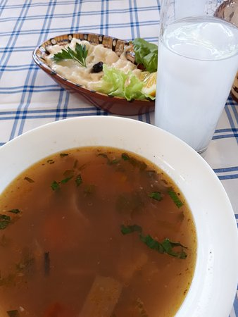 Tutrakan, Bułgaria: Fish soup and tarama