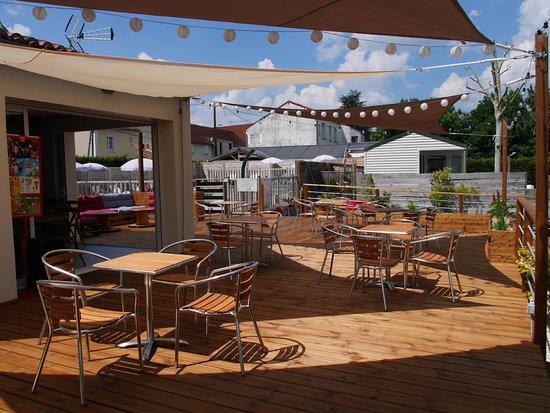 Camping de la Gères - Snack Bar Terrasse Boulodrome