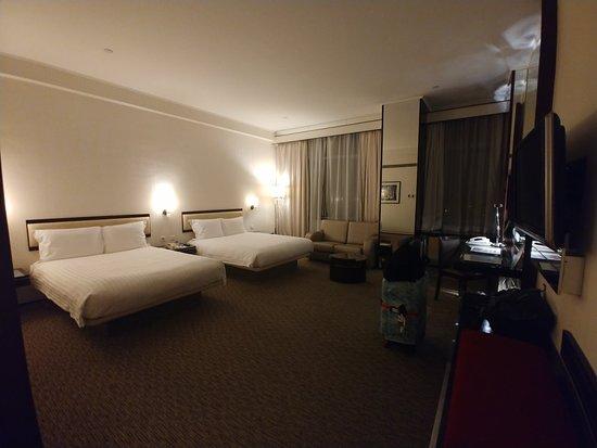 Regal Airport Hotel Photo
