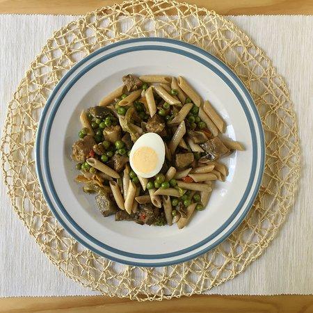 Nostrum Sébastopol: Plats protéinés : Macaronis au romarin et aux oeufs