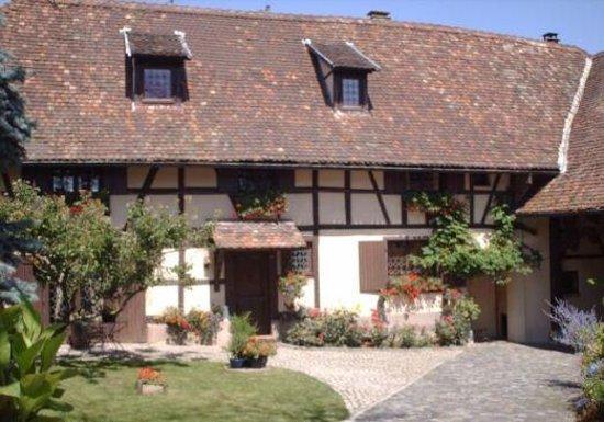 Hoerdt, Frankrike: L'entrée de la batisse
