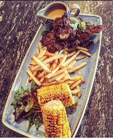 Reubens Bar & BBQ: Southern Fried Chicken with Skin on Fries, Sweet Chilli Corn and Beercan Gravy