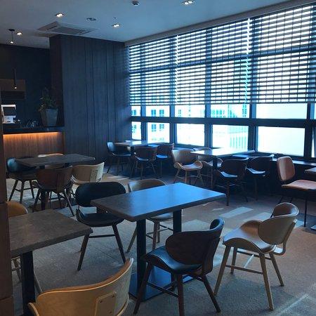 M Felice Hotel: 早朝、深夜便に便利。綺麗で女性1人でも安心。