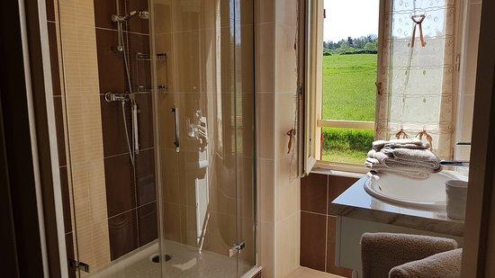 Siorac-en-Périgord, Frankrike: Salle de bain chambre Paradis d'Azur