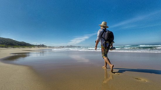 Wilderness, Sudáfrica: Slackpacking along pristine beaches on the 5 day coastal hike.