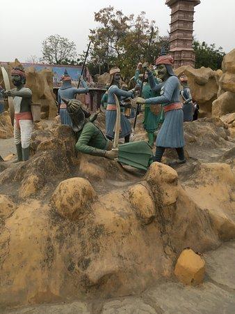 Chokhi Dhani Village: BattleField Props