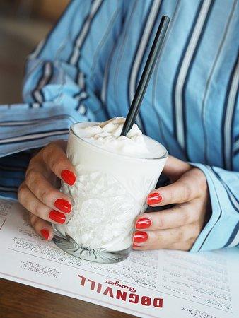 Dognvill Bar & Burger: Our milkshakes are made of Norwegian super premium ice cream.