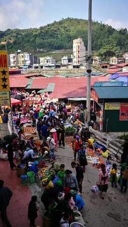 Dong Van, Vietnam: Have breakfast on the balcony and enjoy the bustle of Dong Vsn market on a Sunday