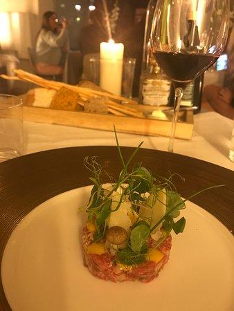 Amarone: beef fillet tartar