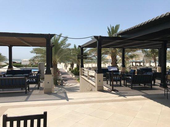 Al Hamra Residence & Village: Marjan Bar & Restaurant- Adjacent to the pool