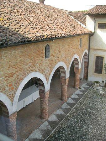 Villa Bottini - La Limonaia: resti del medioevo