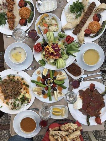 Sini Kosk Restaurant: Kebabları ve diğer lezzetli yemekleri