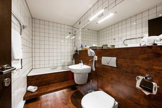 Amberton Hotel Klaipėda: Deluxe room - bathroom