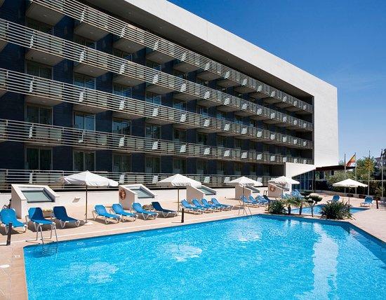 トリップ ポート キャンブリルス ホテル