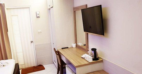 Seksub Place: #เสกทรัพย์ โรงแรมสูง5ชั้น มีลิฟท์ขนาดใหญ่ ที่จอดรถปลอดภัย ห้องพักใหม่ใหญ่สะอาด สะดวกสบาย ราค