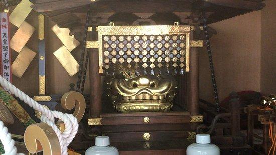 Tanashi Shrine: 獅子頭 (2018/05/26)