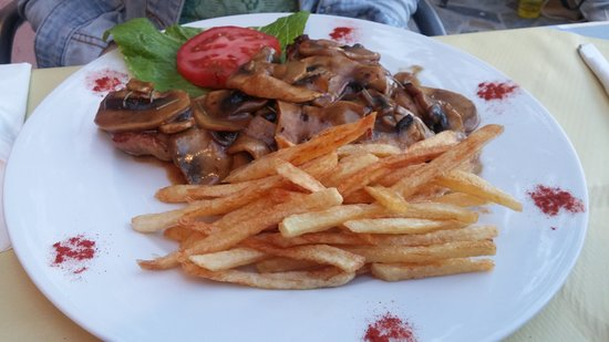 Spartia, Grecja: Porkchop