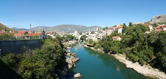 Old Bridge Area of the Old City of Mostar: Eylül ayında denk gelirseniz köprüden atlama yarışları yapılıyor çok heyecanlı :)