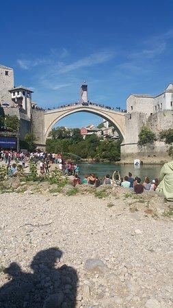 Old Bridge Area of the Old City of Mostar: 21-29 eylül arasında köprüden serbest atlama yarışlarına denk gelmiştim baya heyecanlı