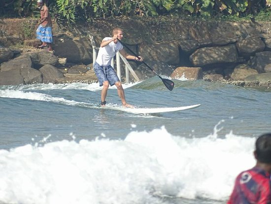 SUPer Juice Bar & Paddleboard Hire : Catching some waves - Kabalana Tour