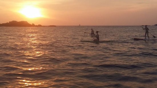 SUPer Juice Bar & Paddleboard Hire : Sunset SUP - Unawatuna Bay
