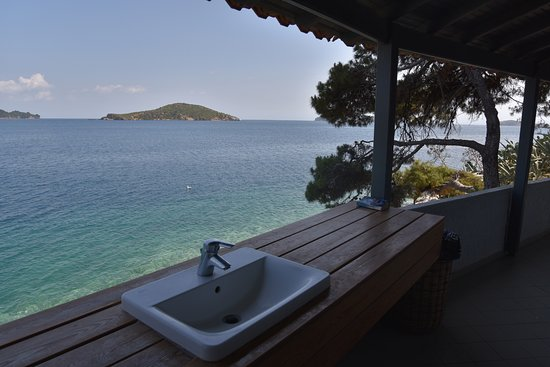 Bourtzi: Loo with a view!