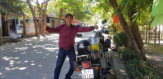 Viet Nam Motor Trail: Dang is friendly and an exceptional motorbike rider.