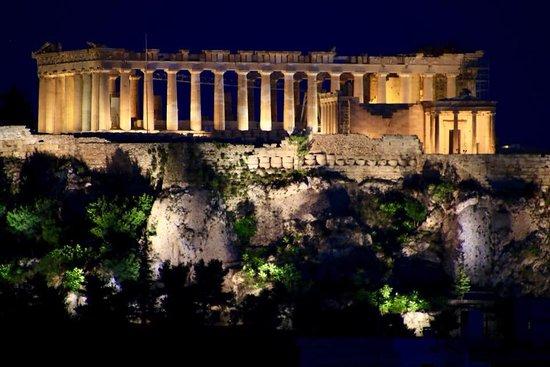 Polis Grand Hotel: A Acrópole, majestosa. À noite, ainda mais bonita.