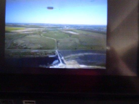 Cathay Pacific : La caméra embarquée nous montre les roues du Boeing 777 300