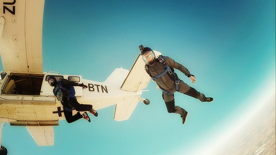 Johannesburg Skydiving Club: Exiting the Angel
