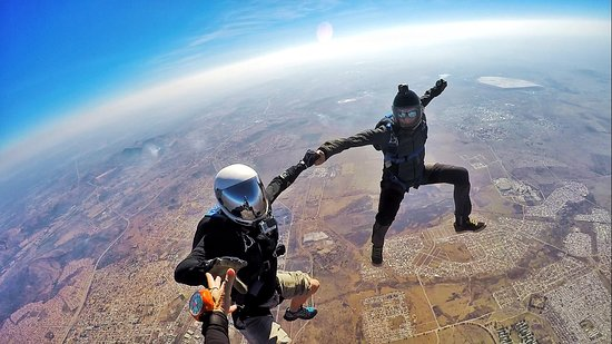 Johannesburg Skydiving Club: Freeflying with friends