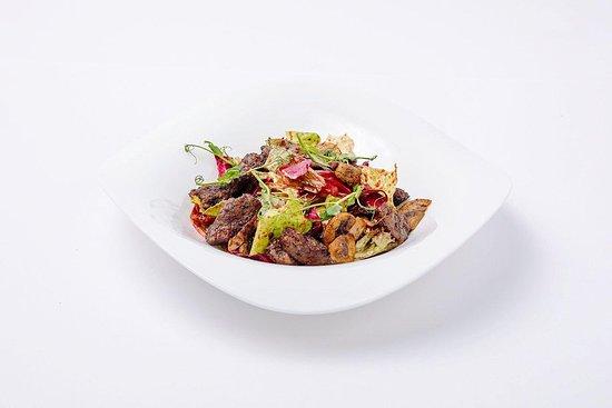 Gluhwein : Теплый салат с куриной печенью.