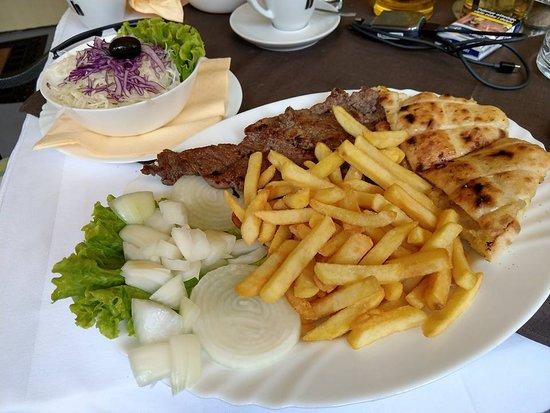 Bosanska kuhinja Merak: Grilled beef