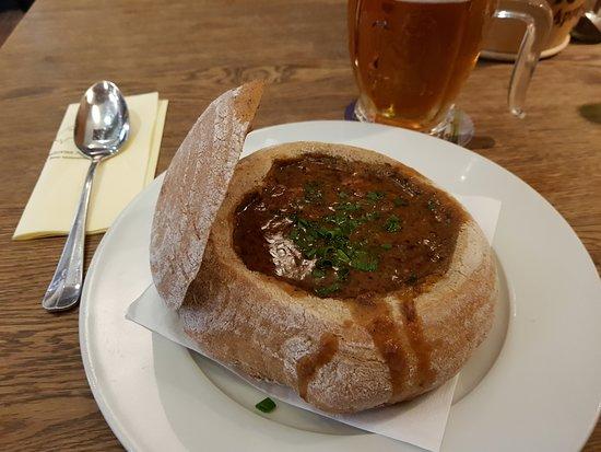 Kozlovna Apropos: Soa de goulash.