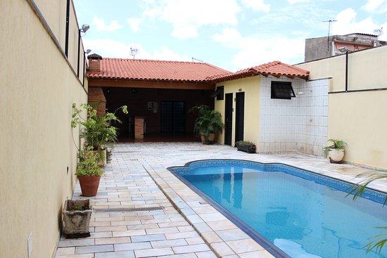 Pousada Acolhedora Azul: Entrada pela Rua Bahia 1442