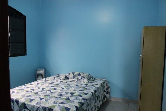 Pousada Acolhedora Azul: Quarto casal ou individual banheiro compartilhado