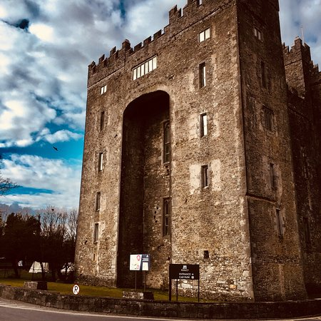 Bunratty Castle and Folk Park: Bunratty Castle
