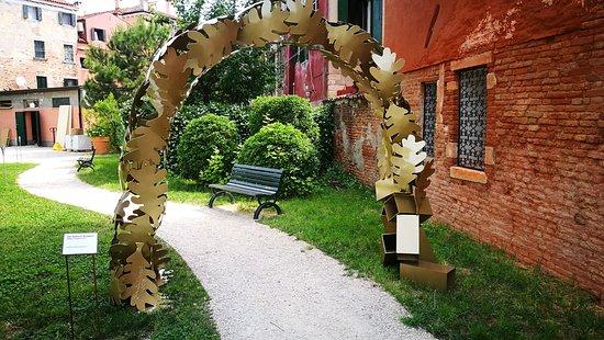 """Parco Pubblico """"Giardino della Marinaressa"""""""