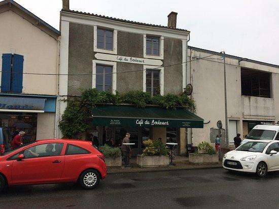 Melle, فرنسا: restaurant