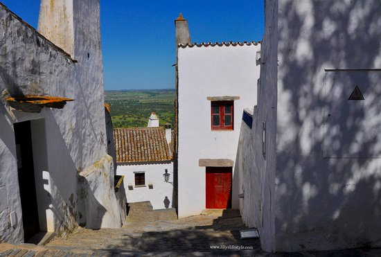 Monsaraz Castle and Walls: I suggestiv vicoletti