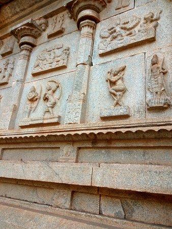 Hazara Rama Temple: wonderful carvings continued