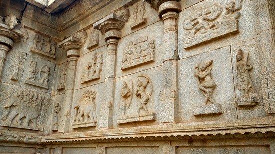 Hazara Rama Temple: The head of the vimana structure