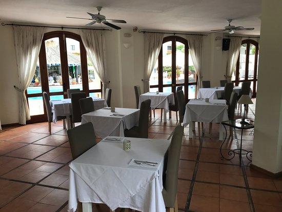 La Mesa Restaurante : La Mesa inside 2