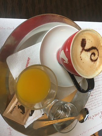 Cafe Louvre: 美味しいカフェでした