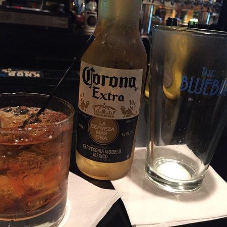Bluebird Restaurant & Bar照片