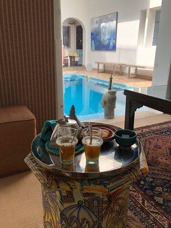 Riad Zyo: mint tea at the beginning