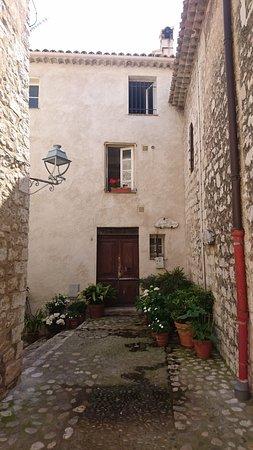 Decorative house-front in Saint-Paul de Vence