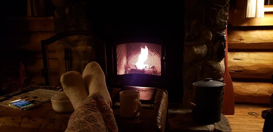 Tabernash, Colorado: Sitting by the fireplace and enjoying the stillness