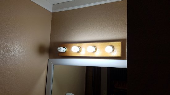 York, NE: One bulb did not work