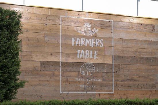 Farmers Table (Kashiwa No Ha): Inside Entrance